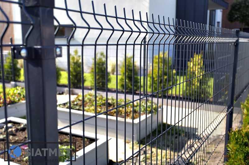 zamontowane ogrodzenie panelowe 2d / 3d